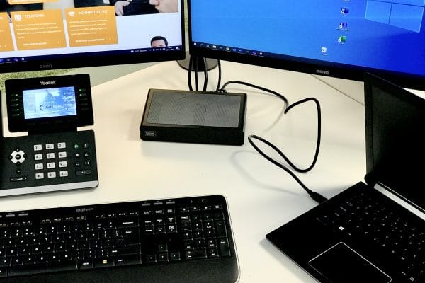 Docking Station van het merk Display Link bij VedaCom op kantoor